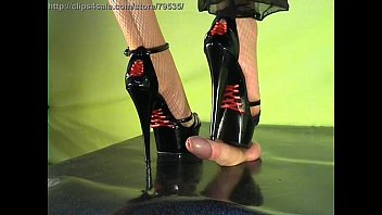 Shoejob satin rouge