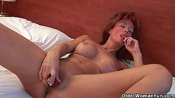 Sultry grandma nina probes her old ..