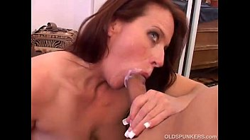 Cock Sucking Mature Babe in Lingerie Porn Videos - TNAFLIX