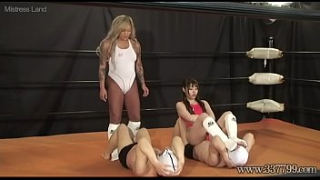 Japanese domina facesitting and humiliating her slaves on the ring