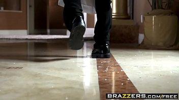 Brazzers - dirty masseur - robbin and rubbin sc...