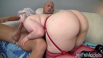 Blonde BBW Klaudia Kelly fucks with bald man