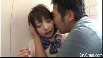 【レイプ】駐輪場で痴漢に犯される美少女JK