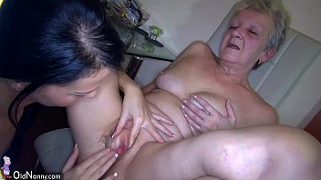 Oldnanny sexy young girl and skinny old mature have sex xxx with toy