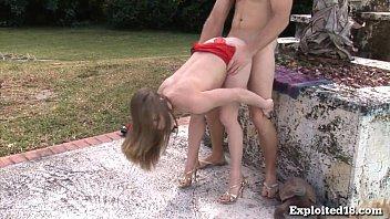 ดาวน์โหลด คลิปโป๊ 18 ปีการทดลอง Stripper เก่าสำหรับ Porn ร้อน ใน ThaiXXX.Org