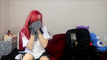Teen bunnie hughes jerks off to cou..