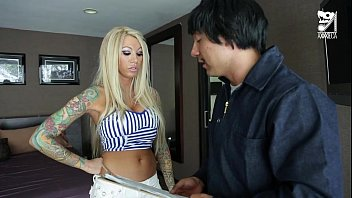 Mexican cable guy fucking big titted horny girl!!! lolly ink