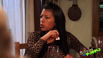 Lara y su mini vino para todas
