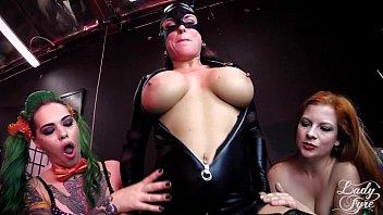 Fantezie Sexuala Cu Batman Care Fute Trei Femei Malefice
