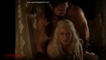 Hot sexy game of trone emilia clarke porn xxx h...