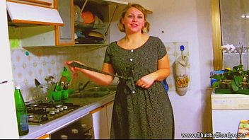 Por No Casero Housewife blowjob from the 1950 s