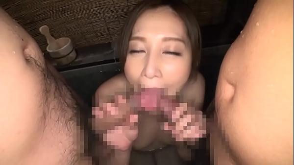 佐々木あき 色白で美巨乳!最高級ボディの美人若妻を頂く不倫中出しハメ撮り3Pセックス!