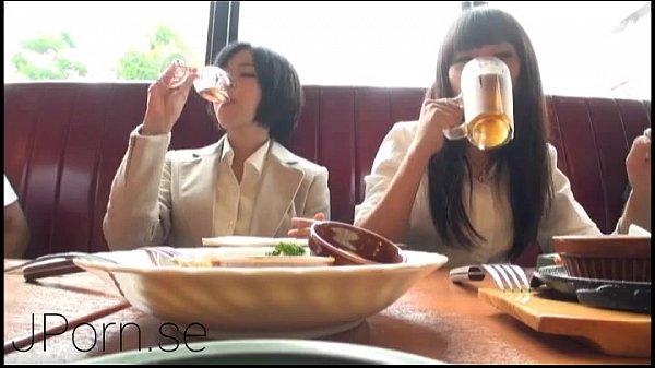 【女子大生】女子大生陣を酒で酔わせて大乱交ビッチすぎ