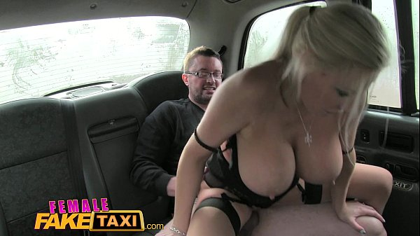 Drsny sex fake taxi