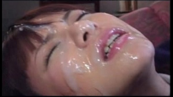 突然レイプされてしまった学生に連続顔射をキメて顔面ドロドロに