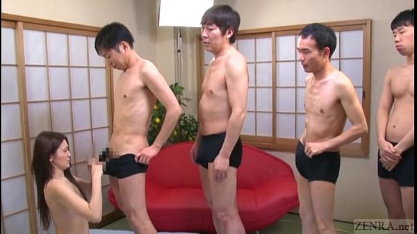 【武井もな】色白お姉さんが群がる男達のチンポを次々フェラ抜き!