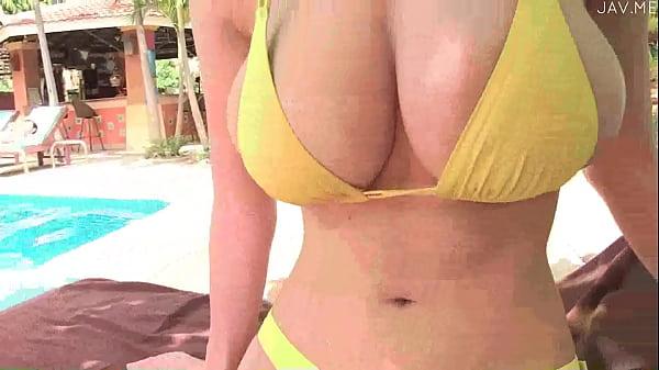 【美人娘イメージ】華奢なHな巨乳の美人娘のイメージプレイが、プールにて…!|イクイクXVIDEOS日本人無料エロ動画まとめ