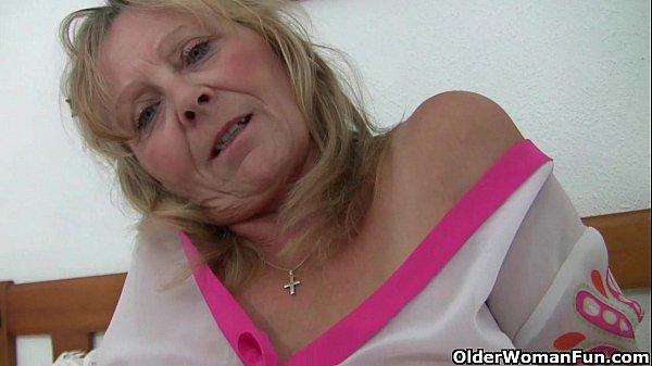 keinohedelmöitys yksinäinen nainen british mature
