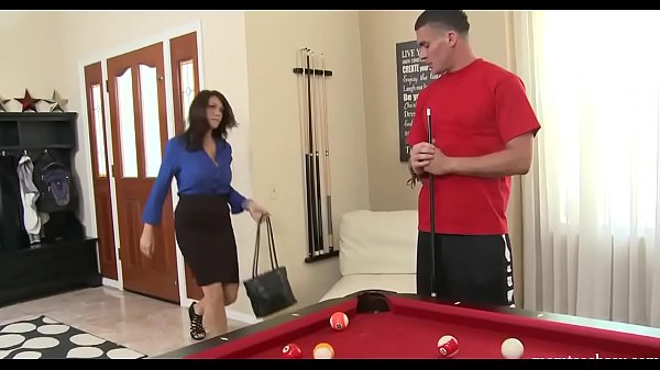 MOM WANTS SON'S FRIENDS YOING | momteac...