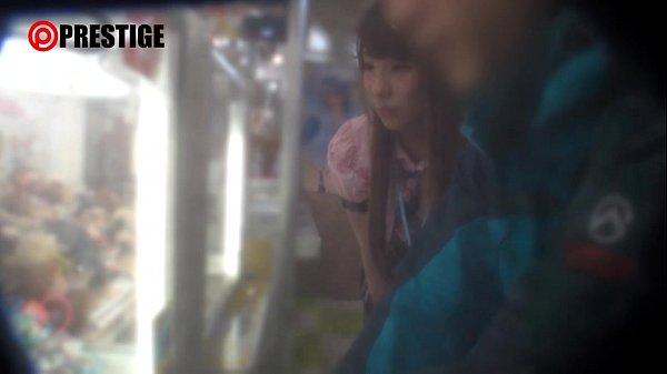 【素人動画】メルヘン系の人妻とゲーセンデートして自宅に連れ込み生ハメSEX