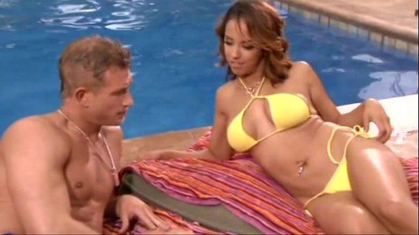 Freshly massaged Latina Mulani Rivera coerced into having sex with masseuse № 582383  скачать