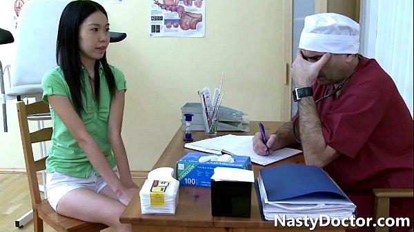 Прием гинеколога видео порно азиатки 139