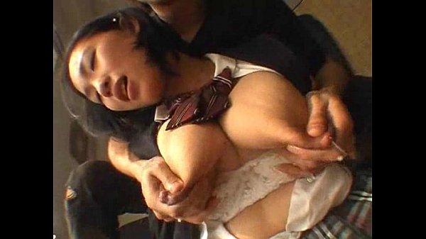 出ました!!なんてエロいんだ…!!JKアダルト動画Iカップ爆乳から大量母乳が出る制服JK奥山るか