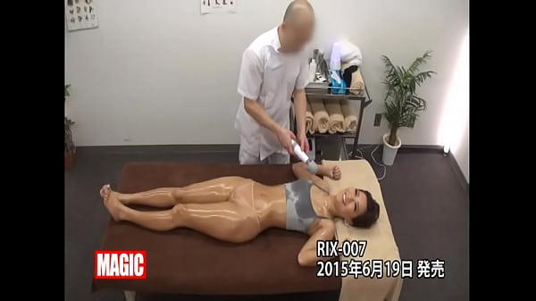 ローションマッサージで徐々に変化して挿入される巨乳の美人|イクイクXVIDEOS日本人無料エロ動画まとめ