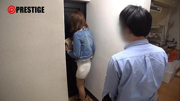 素人M男宅を突撃訪問して乳首責め・フェラ・シックスナインしてあげる美女!(冬月かえで)【痴女無料動画】
