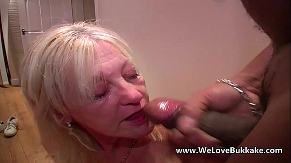Wife sucks cock huge cumshots