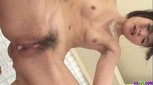 【無修正】篠めぐみ!背面騎乗位で悶えまくりたっぷり中出し♪の無料エロ動画