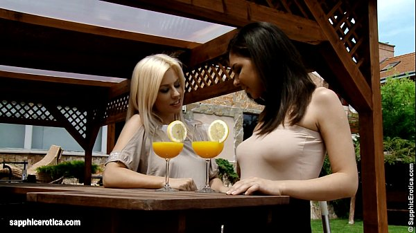 Mimosa Munching – by Sapphic Erotica lesbian sex with Henessy Elma