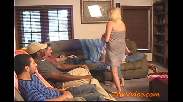 Amateur milf mom cheater caught doing 5