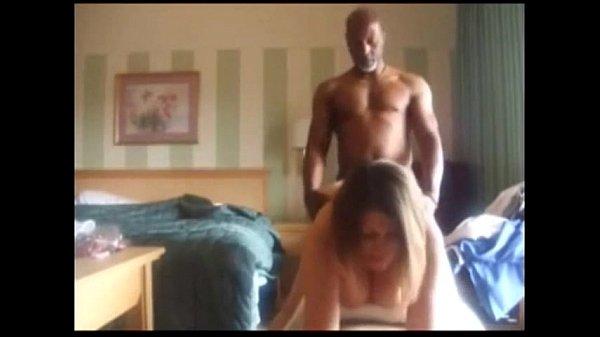 videos de Porno Deu pro marido de quatro