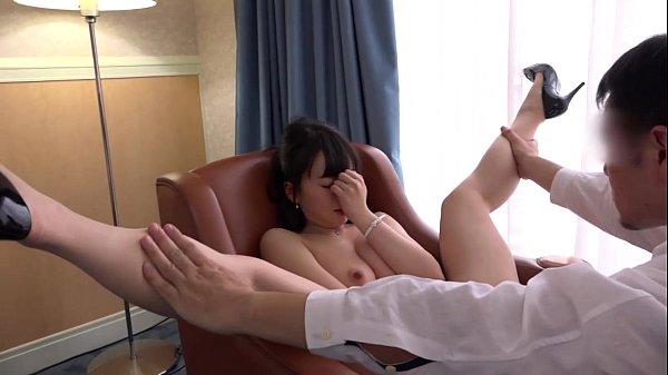 素人のフェラホテル不倫人妻巨乳黒髪動画