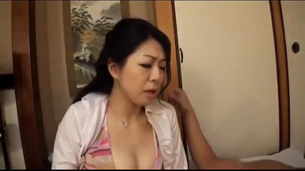【熟女・人妻のSM動画】息子にイラマチオされる近親相姦!熟女義母だから熟女義母相姦の言いなり。