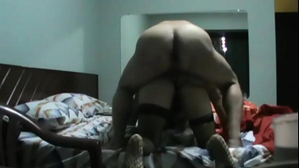 Cachonda casada infiel disfruta el buen sexo anal que le da su macho cuando estan cogiendo rico
