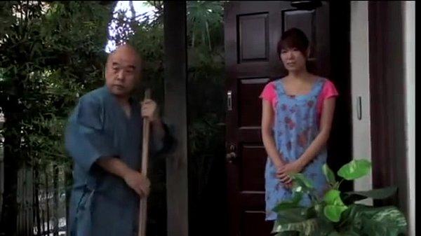 メタボな養父に近親相姦されるもそのチンポに感じてしまう娘