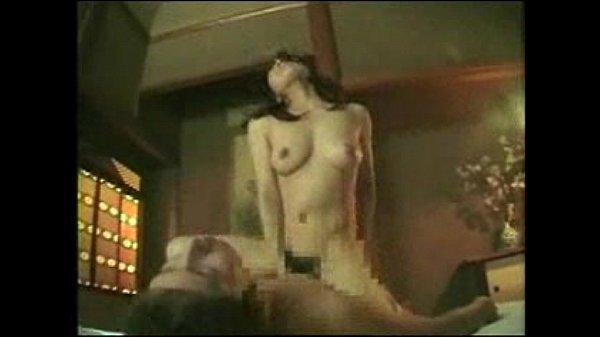 【エロ動画】昭和を感じさせる和室でのえっちで年増は騎乗して巨乳を揺らす☆