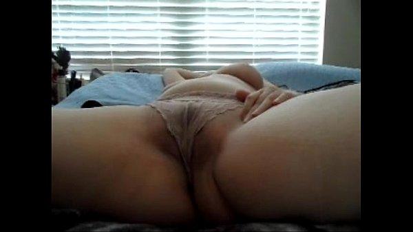 Rubbing my pussy till i cum hugely