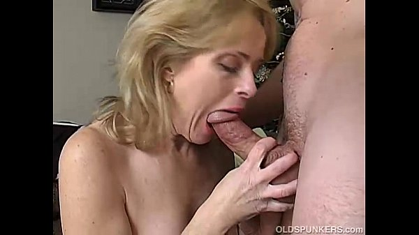 Sexy mature amateur enjoys a long hard fuck...
