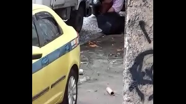 Videos de Sexo Fudendo a prostituta na rua