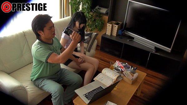 デジタルガジェットが好きな女の子が好奇心からハメ撮りセックス