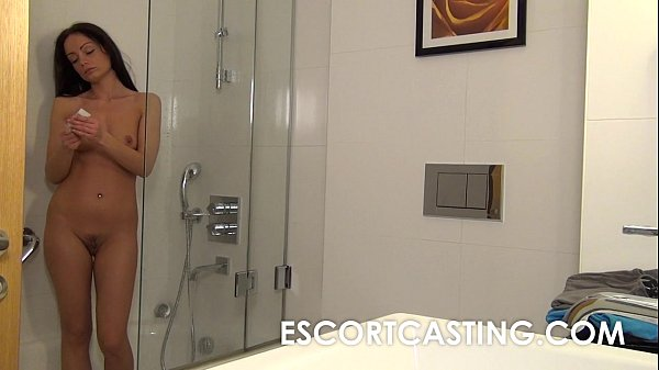 Порно с проституткой дома