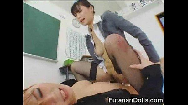 スーツ姿の巨乳教師達が放課後の教室で玩具で連結し合ってレズファック