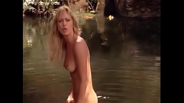 Naked Tanya Roberts in Sheena ANCENSORED