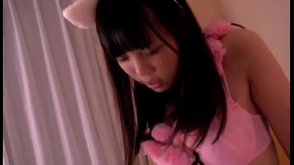ネコ耳コスプレしたロリ美少女の騎乗位ディープキスにたまらず口内射精!