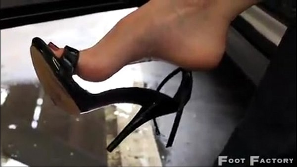 Girls High Arch Feet Free Sex Videos - Watch Beautiful