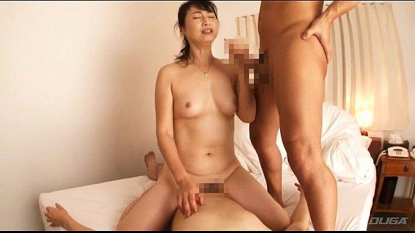 高嶋杏子 引き締まったスレンダーボディをヨガらせて艶めかしい3Pセックスで絶頂する高齢熟女…