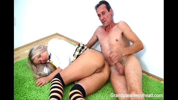 Videos de Sexo Comendo a cunhada dormindo canaltubevideos